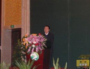 黄翼:全力打造荣昌猪品牌 推动效益畜牧业发展