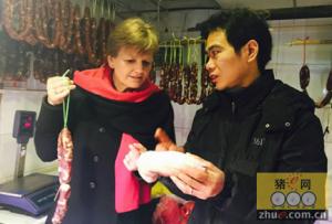 欧洲食品抢滩中国:丹麦食品部长逛中国猪肉摊点