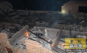 养猪场发生火灾 100余头生猪被烧死