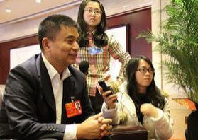 """人大代表刘永好:新希望愿为成为高端动物蛋白领域的""""ABCD""""而努力"""