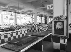 海口东山镇市场猪肉摊贩歇业4天 居民买肉要到6公里外