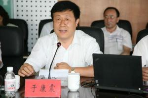 农业部副部长于康震在江苏调研时强调 千方百计稳定生猪家禽生产