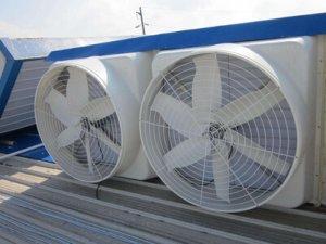 如何正确选用负压风机?让猪场温度下降