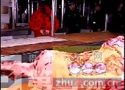 """贵州查获两吨""""问题""""猪肉 表面布满红斑"""